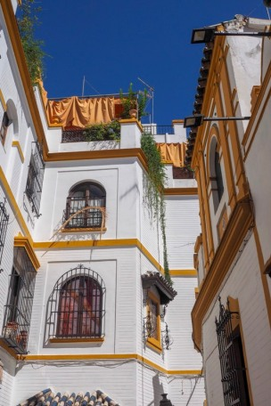 a view at houese in sevilla