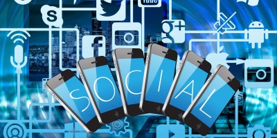 How to use social media to greatly improve your travels