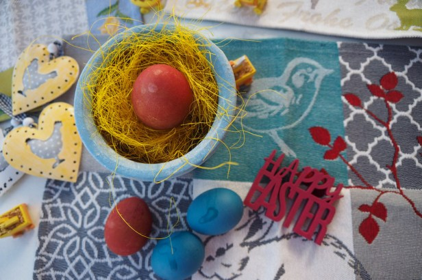 Your guide to natural coloured Easter Eggs