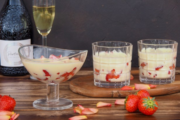 This Hugo-Zabaglione with Strawberries has everything to become your new favourite Italian dessert this Spring