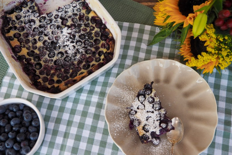 My favourite quick and easy Blueberry Cake