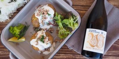 Baked Potato with North Sea Crab | Von Winning Weissburgunder
