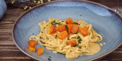 Linguine with pumpkin mascarpone sauce | Grüner Veltliner